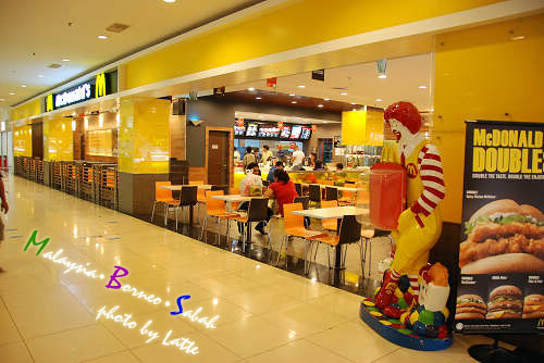 99.6.9-Shopping Mall-3.jpg