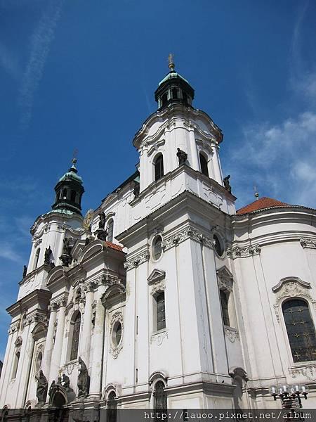 舊城廣場-聖馬汀教堂.jpg