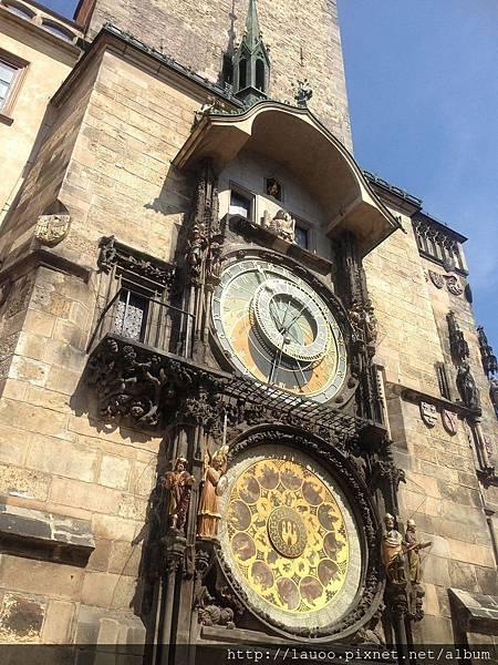 舊城廣場-天文鐘.jpg