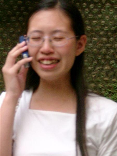 哭泣的電話....