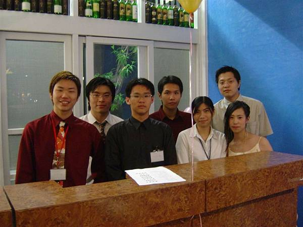 2004外語畢業晚會.jpg