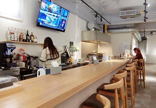 Take Out Burger%26;Cafe (4).JPG