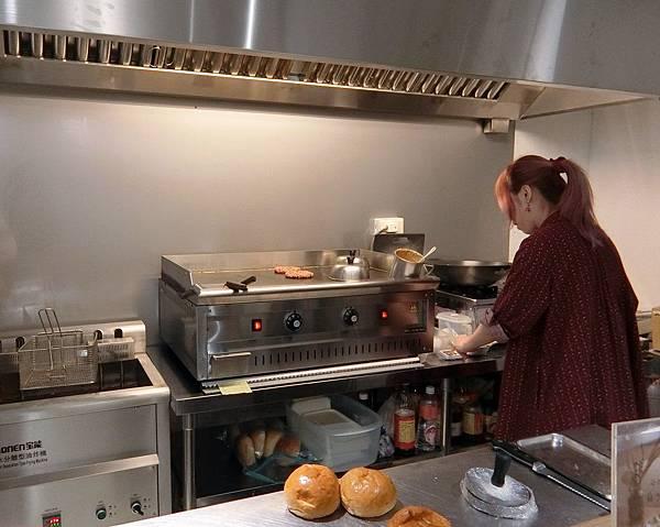 Take Out Burger%26;Cafe (10).JPG