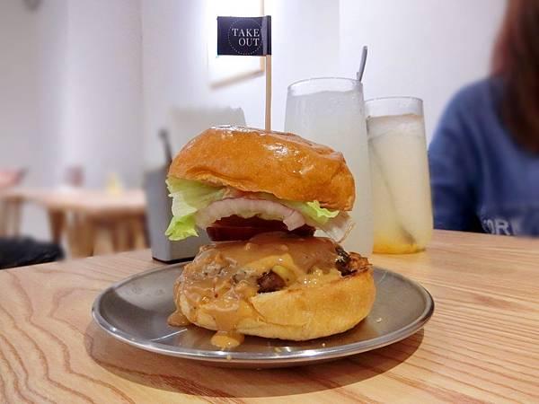 Take Out Burger%26;Cafe (20).JPG