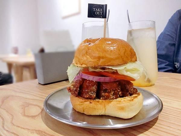 Take Out Burger%26;Cafe (18).JPG