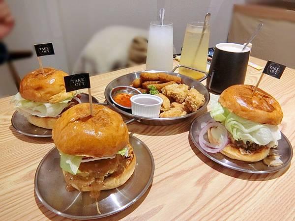Take Out Burger%26;Cafe (28).JPG
