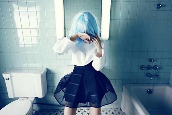 HyunA-trouble-maker_1382751657_af_org