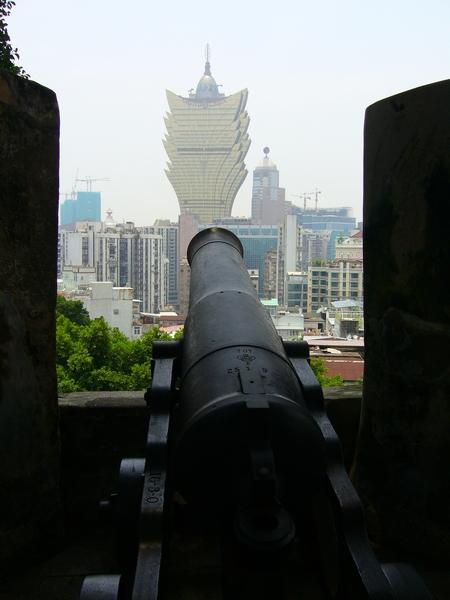炮台正對著新葡京