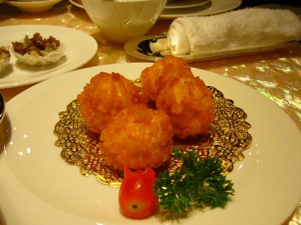 魚子醬蝦球
