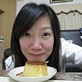 2/24 下班一回到家就有姊姊請同事代購的『台南銀波布丁』可以享用,真開心啊~