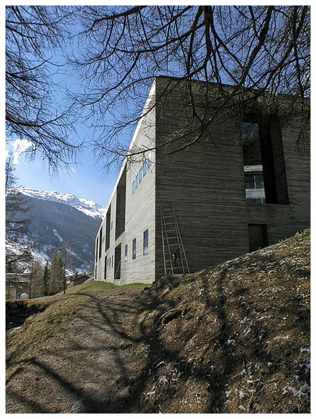 Zumthor-Thermal_Baths_Vals_01.jpg
