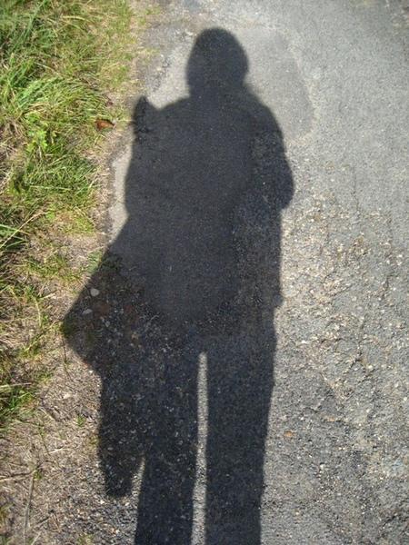 1228210011-當天陽光好大,影子這麼清晰.jpg