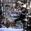 1147245011-跳蚤市場中很常見的攤位.jpg