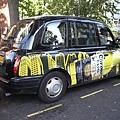 1147245012-有名的英國計程車,果然很不同.jpg