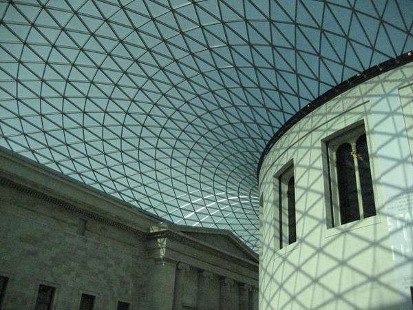 1699108229-是我最愛的英國建築師sir norman foster的作品.jpg