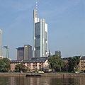 200px-Frankfurt_Commerzbanktower_wmt.jpg