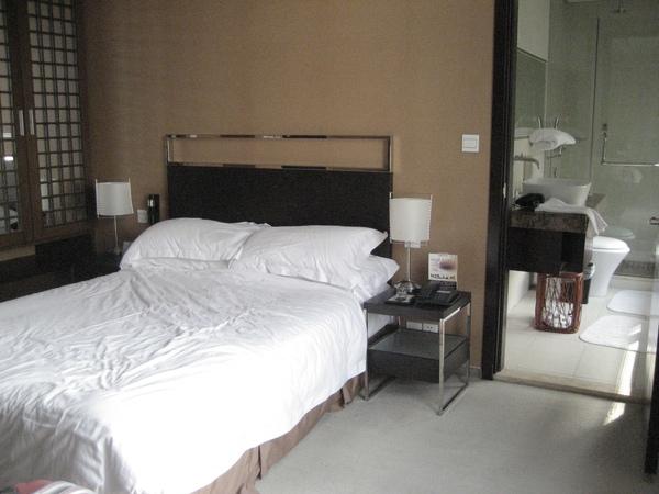 哈~蘇州的飯店睡醒才想到還沒拍,有點凌亂的補拍一張