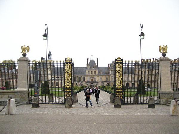 皇宮外圍的大門