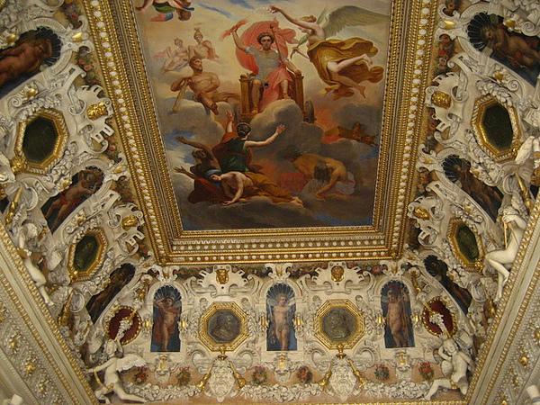 天花板的壁畫果然也很厲害!