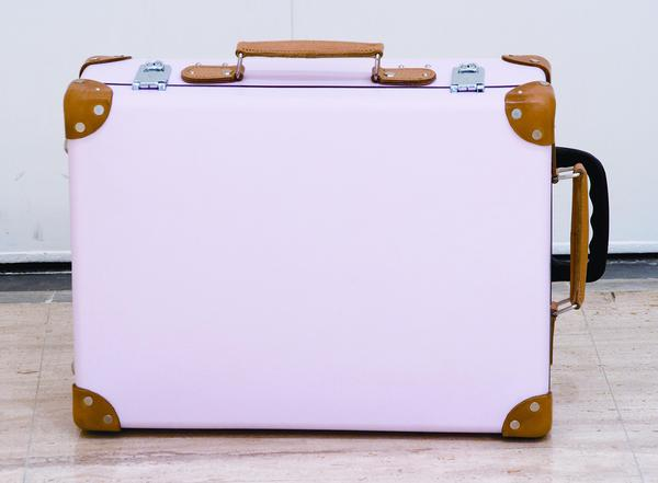 GLOBE TROTTER的行李箱