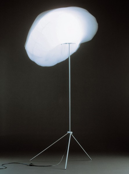 Valvomo 浮雲燈