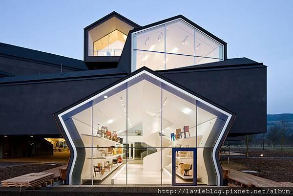 VitraHaus_facade@Iwan Baan.jpg