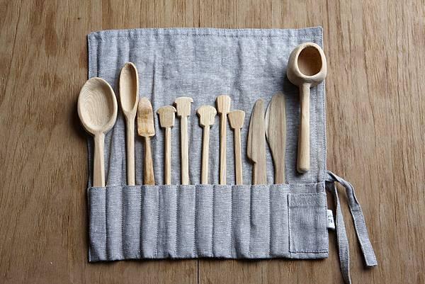 店長父親的手作木餐具.jpg
