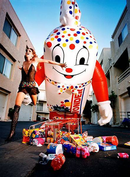 Inflatable_Wonderbread © David LaChapelle.jpg