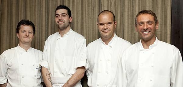 Photo 1 - Chef  Alain 與廚師團隊.jpg