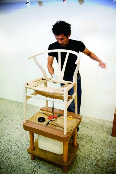 y-chair 1.jpg