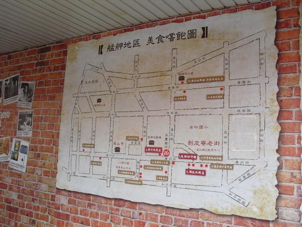 就掛在艋舺海報下的美食地圖1