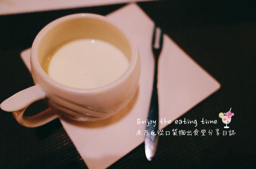 16-10-11-02-08-35-006_deco.jpg