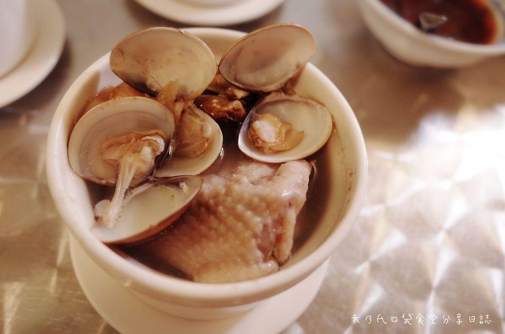 小時候冰菓室 蛤蜊蒜頭雞湯