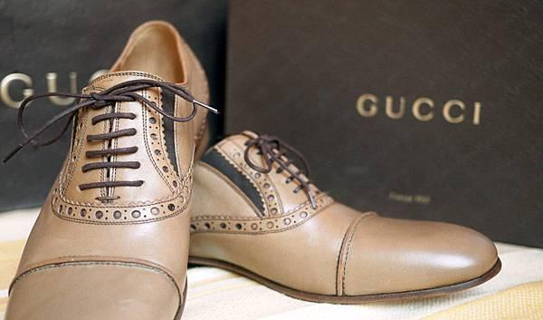 gucci皮鞋雕花