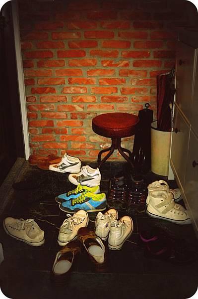 很多鞋的玄關