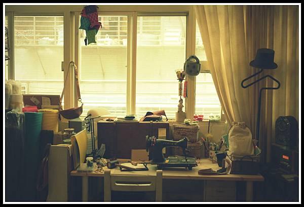 混亂的工作桌