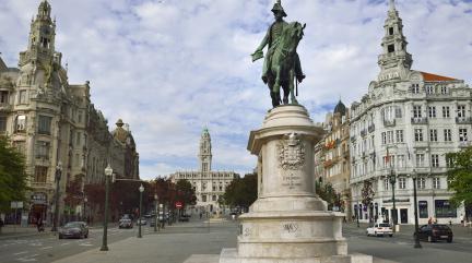 Oporto-Square-Main