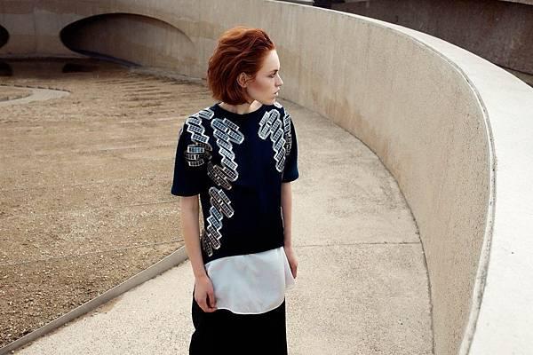 1. pauline-van-dongen-wearable-solar-t-shirt