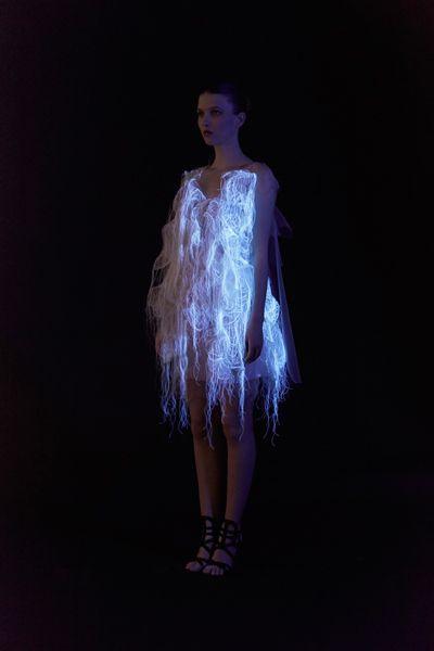4. move-garment-dress
