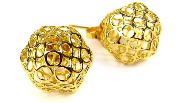 1 3D-printed-Gold-studs-e1449659566390-1024x576