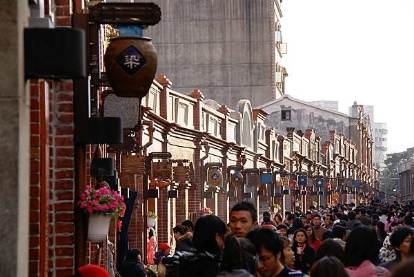 假日的三峽老街.JPG