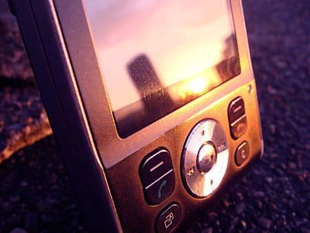 cell phone拷貝.jpg