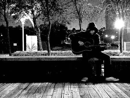 guitar拷貝.jpg