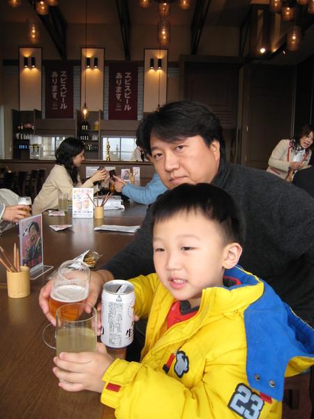 我跟爸八在日田【札幌森啤酒園】
