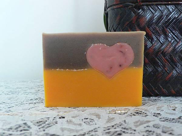杏桃紅棕皂