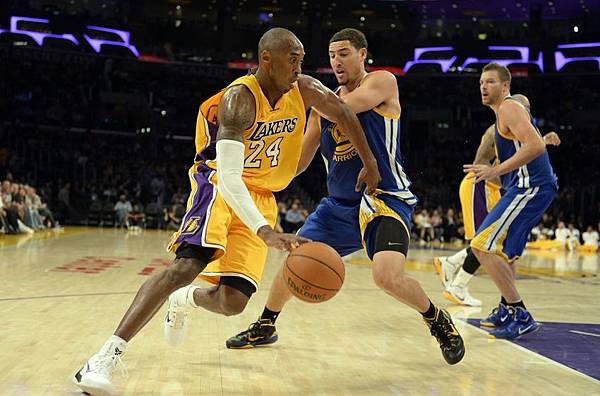 klay-thompson-kobe-bryant-nba-preseason-golden-state-warriors-los-angeles-lakers-850x560