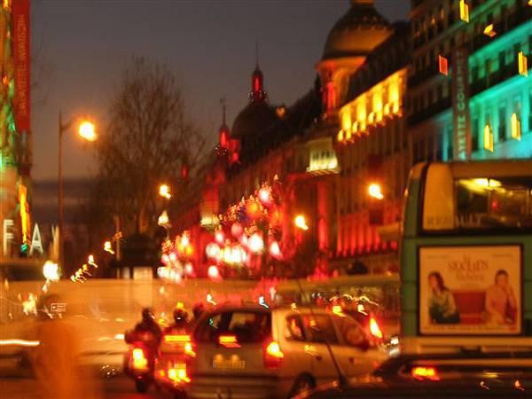 巴黎的車水馬龍