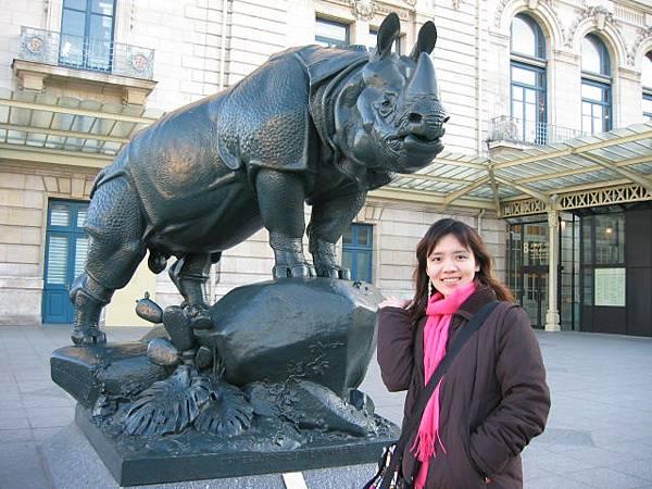 奧賽美術館前的犀牛