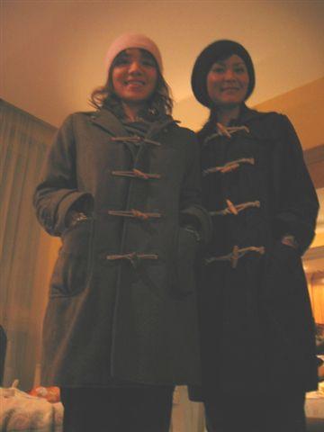 same hat, same coat (其實我的頭粉緊..嗚..)