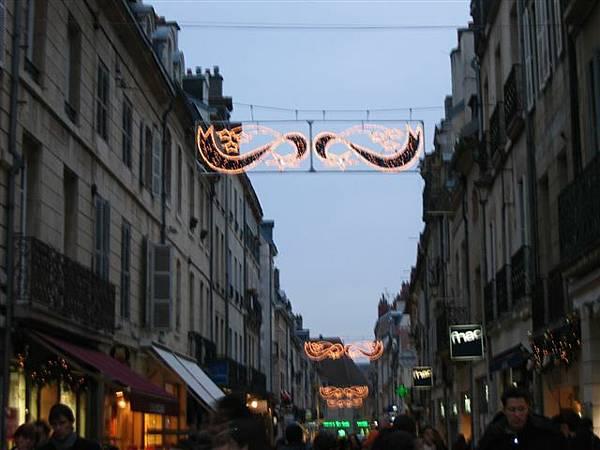 街景...Dijon....唉..別提了...